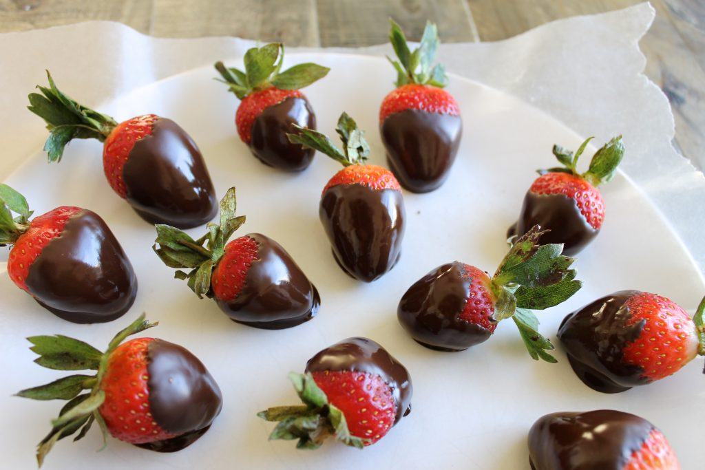 Perfect Dark Chocolate Covered Strawberries Recipe | littlechefbigappetite.com 2