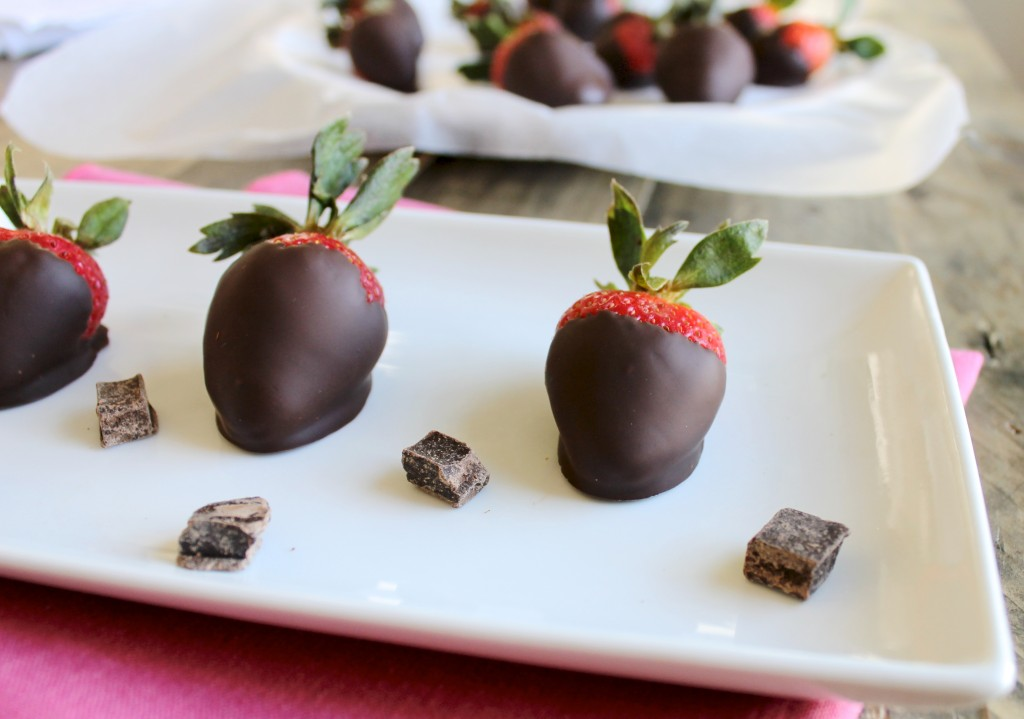 Perfect Dark Chocolate Covered Strawberries Recipe | littlechefbigappetite.com 3