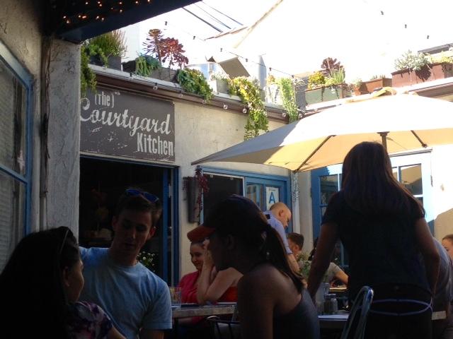 Courtyard Kitchen Santa Monica California | www.littlechefbigappetite.com