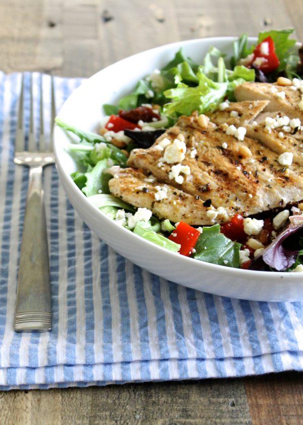 Healthy Spring Salad with Homemade Lemon Vinaigrette | www.littlechefbigappetite.com