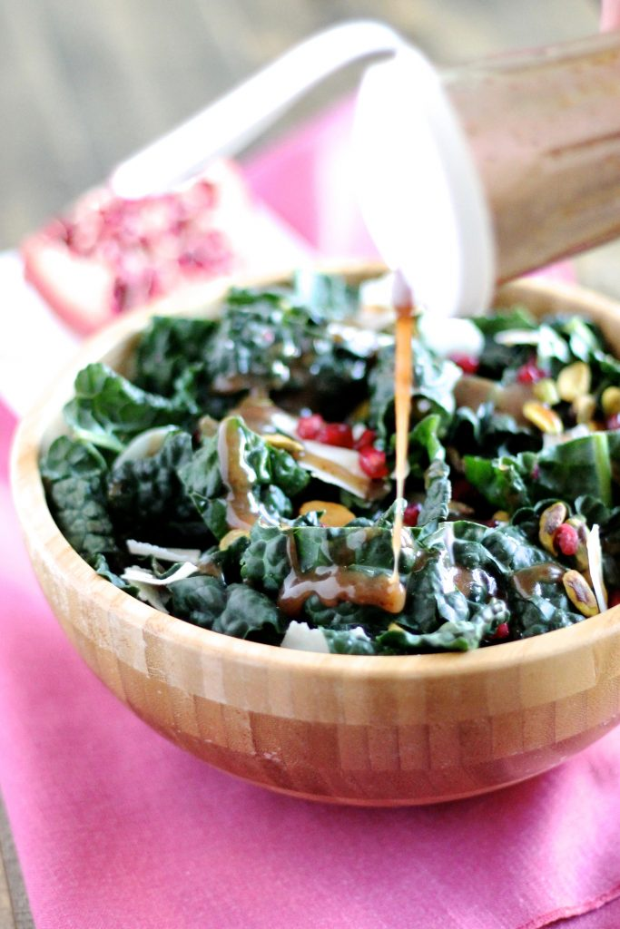 No more boring desk lunches when you have this delicious Kale Salad with Pomegranate Molasses Dressing! It's vegetarian, gluten-free and so easy to throw together! ll www.littlechefbigappetite.com