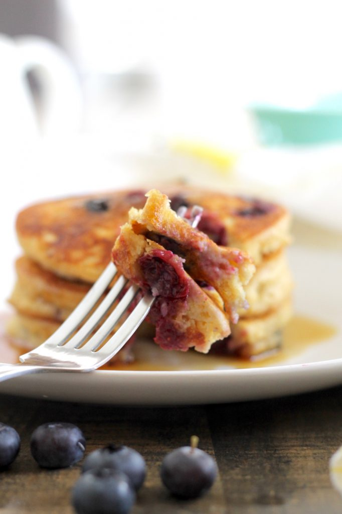 The Most Delicious Gluten-Free Lemon-Blueberry Pancakes! ll Fluffy and packed with fresh lemon-blueberry flavor in every bite! ll www.littlechefbigappetite.com 2