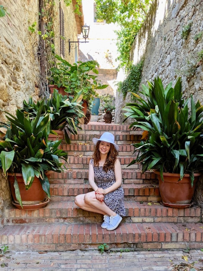 Rachel in San Gimignano 1 | littlechefbigappetite.com